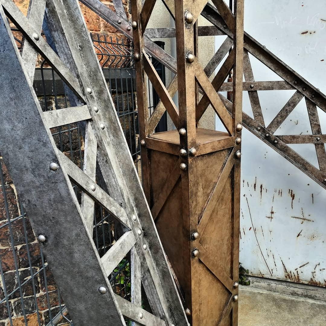 fausses structures métalliques en bois!